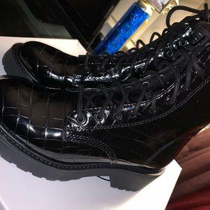 Steve Madden black crocodile tornado boots
